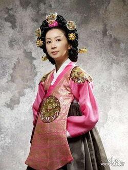 Queen Insoo6.jpg