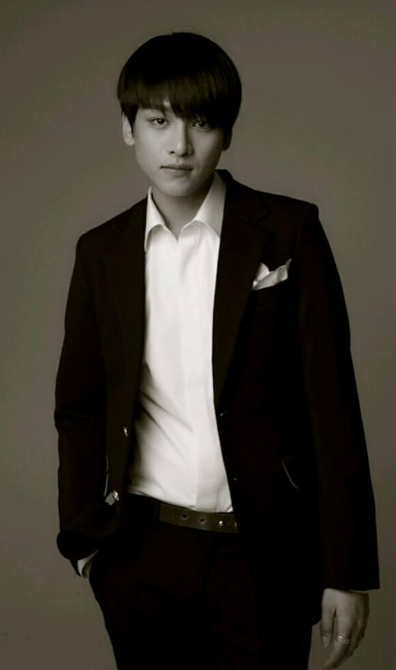 Han Seung Yun (1994)