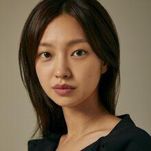 Choi Yoo Hwa25.jpg
