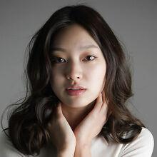 Choi Yoo Hwa4.jpg