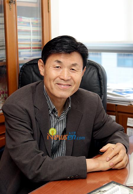 Lee Byung Hoon (Director)