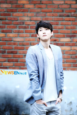 Kang Sung15.jpg