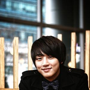 Yoon Shi Yoon8.jpg