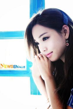 Lee Yoo Ri19.jpg