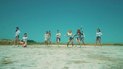 """청하(CHUNG HA) - """"Why Don't You Know (Feat.넉살)"""" M V (Performance Ver"""