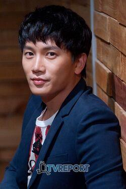 Ji Sung7.jpg