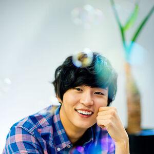 Yoon Shi Yoon18.jpg
