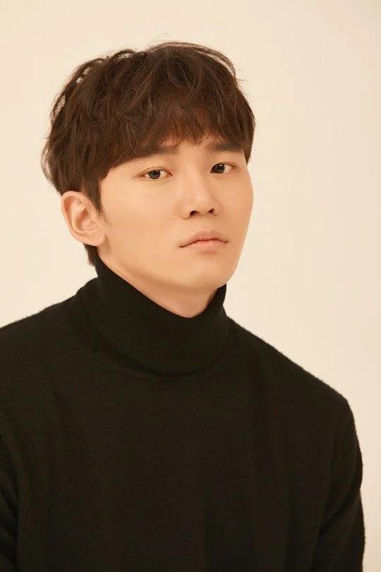 Han Joon Woo