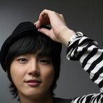 Yoon Si Yoon2.jpg