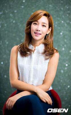 Lee Yoo Ri24.jpg