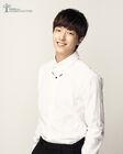 Lee Yoo Jin (1992)3