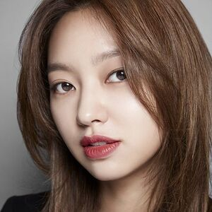 Choi Yoo Hwa21.jpg