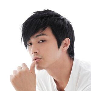 Kim Ji Hoon2.jpg