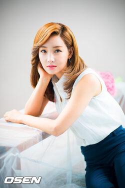 Lee Yoo Ri23.jpg