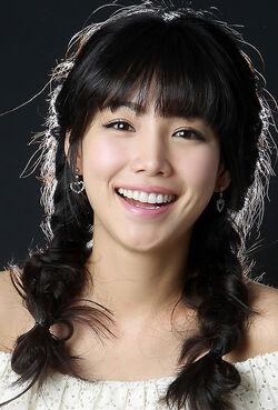 Lee Yoo Ri5.jpg