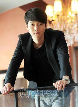 Kang Sung14.jpg