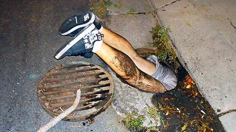 12-Yr-Old Girl With Lost Cat Climbs Down Sewer, 40-Minutes Later Stranger Hears Girl Crying