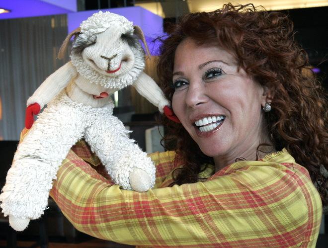 Lamb Chop (puppet)