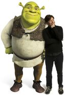 Shrek-and-Mike-Myers-shrek-561110 383 557