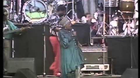 Miriam_Makeba_and_Hugh_Masekela_-_Soweto_Blues_(Live_1988)