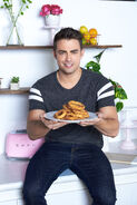 Jonathan-with-onion-rings