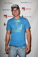 Actor-randy-wayne-attends-the-premiere-party-for-tcls-wh 003