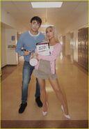 Ariana-grande-jonathan-bennett-mean-girls-thank-u-next-04