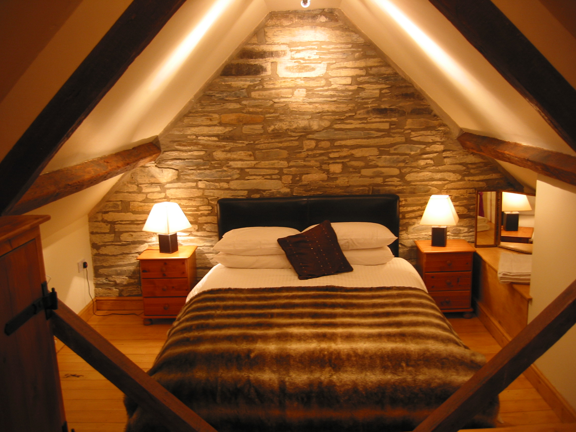 Black House/Bedroom