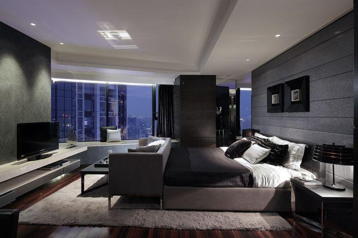 Cholmeley Lodge/Lucienne and Deirdre's Apartment/Deirdre's Bedroom
