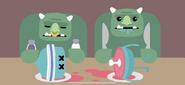 Two Ogres has Split Dumbbell