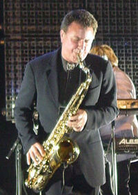 Andy Hamilton saxophone wikipedia duran duran.jpg