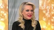 "Elaine Hendrix is the New Diva on ""Dynasty"" New York Live TV"