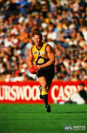 Round 8 1999