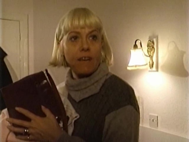 Episode 1058 (28 November 1994)