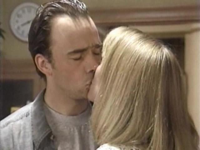 Episode 1034 (3 October 1994)