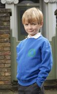 Bobby Beale (Alex Francis)