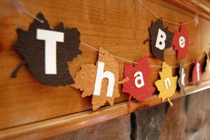 Thanksgiving-leaf-garland.jpg