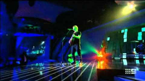 Ed Sheeran - Sing (Live at 2014 Logie Awards Australia)