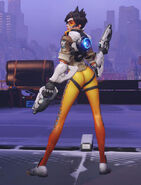 Overwatch-Why-Blizzard-Are-Cutting-Tracer8217s-Over-The-Shoulder-Victory-Pose 2