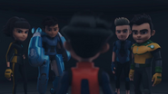 Roza, Mika, Chris & Jet Looking To Ali