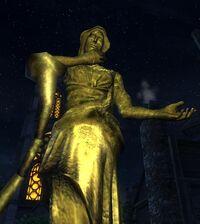 Статуя матери ночи.jpg