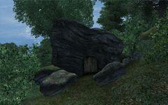 Угольная пещера (вход).jpg