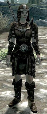 Skórzana zbroja (żeńska) (Skyrim)