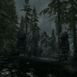 Каирн Холдира - Вход в пещеру.jpg