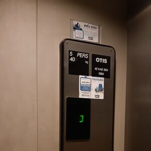 Roblox Otis Series 1 Elevator Serial Number And Install Year Guide Elevator Wiki Fandom