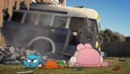 185px-S02E40 - Bus Crash