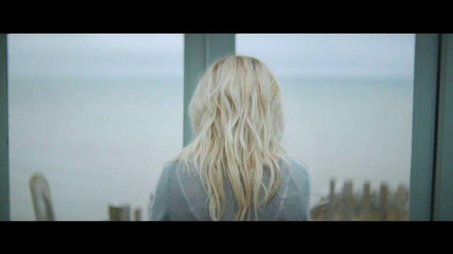 Ellie_Goulding_'How_Long_Will_I_Love_You'