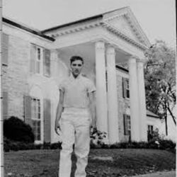 How Elvis Presley Came to Own Graceland (by Jeff Schrembs)