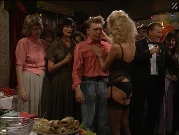 Episode 1486 (6th September 1990)