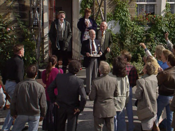 Episode 1498 (18th October 1990)